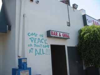 Tracy's Bar and Grill